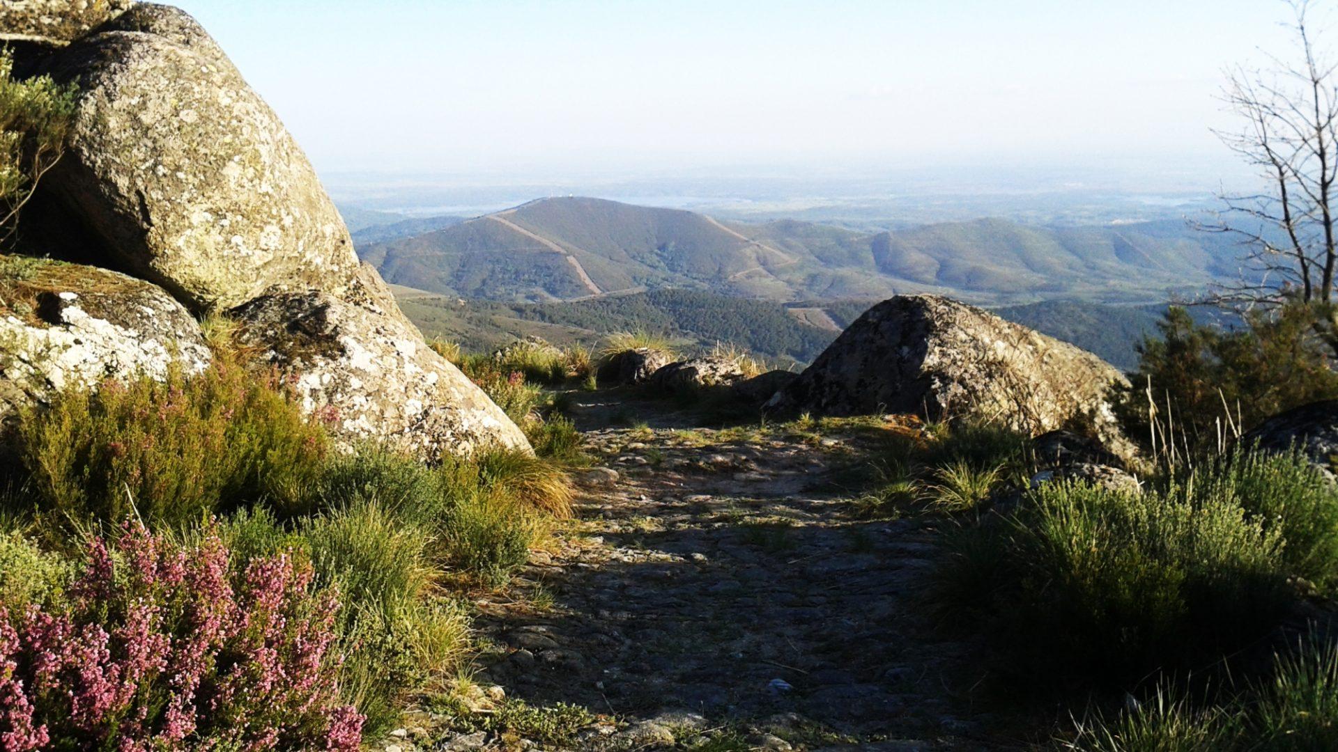 GR 10 E-05 – Torre de Don Miguel-Gata